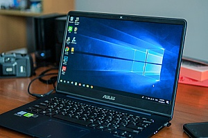 an ASUS laptop with Windows 10 built in