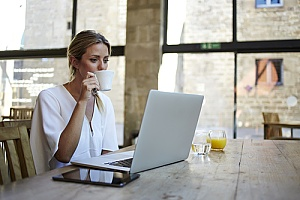 small business owner working remotely during the coronavirus pandemic
